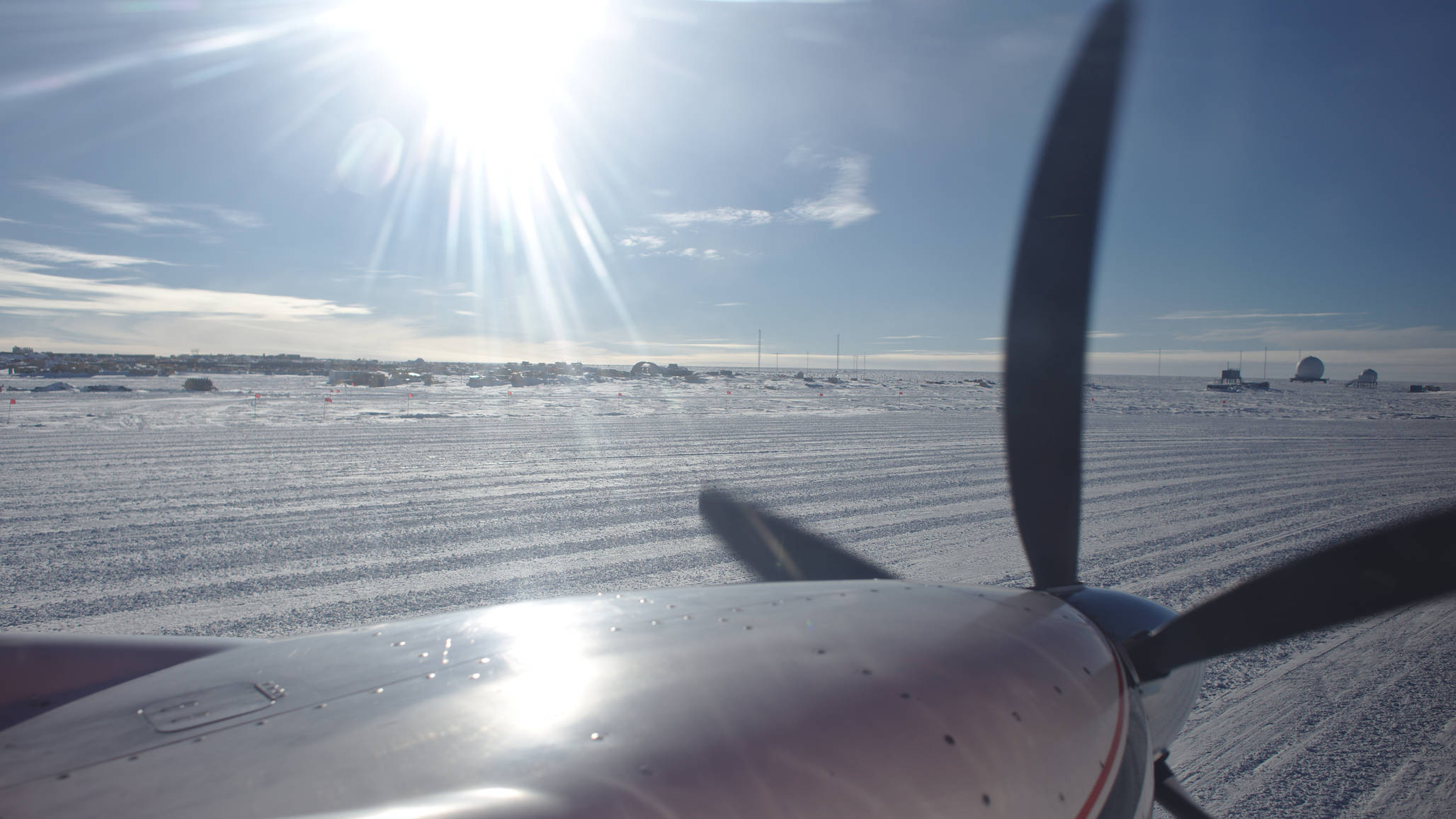 Taxiing the NPSP snow runway. Summer camp to our left