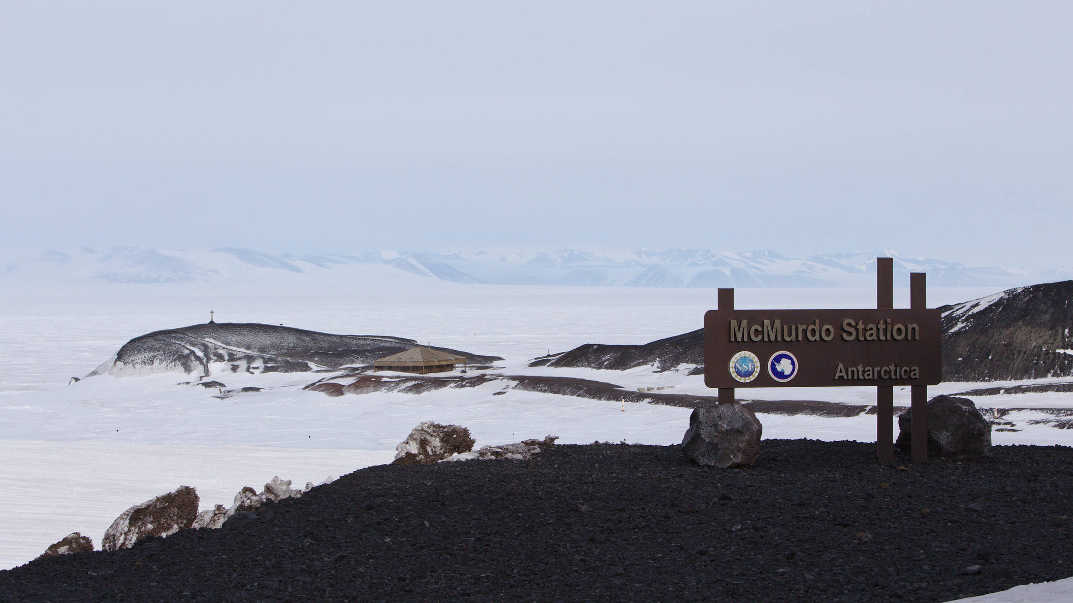 Arrival in McMurdo. In the background: hut point with Scott's Discovery Hut from 1902